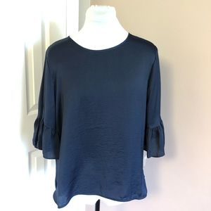 Violet&Claire Navy Top Ruffle Sleeves Sz Large NEW